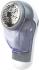 Микма ИП-1001 Прибор Микма ИП-1001 предназначен для эффективного удаления катышков с поверхности хлопковой, трикотажной и шерстяной одежды. Принцип работы такой же, как и у бритвы. Катышки, попадают под внешнюю металлическую сетку, гдн срезаются вращающимися острыми лезвиями и собираются в прозрачный съемный резервуар.