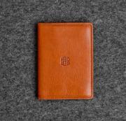 Коричневая кожаная обложка для паспорта Handwers Cuddle