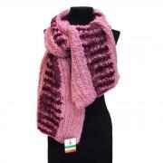 Нежно-розовый женский шарф букле с малиновыми вкраплениями Club Seta...