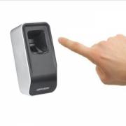 Настольный считыватель отпечатков пальцев DS-K1F820-F