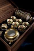 Кофейный сервиз мокко АНТИЧНЫЕ МЕДАЛЬОНЫ (Antique Medallions) от Rudolf Kampf на 6 персон, 15 предметов, подарочная упаковка