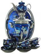 """Набор самовар электрический 3 литра с художественной росписью """"Жостово на синем фоне"""" с чайным сервизом и подносом, арт. 103558с"""
