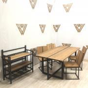Набор мебели в кухню/столовую
