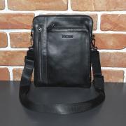 Мужская черная кожаная сумка-планшет на одно отделение Hassion H-108