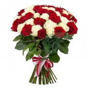 """Букет """"51 красная и белая роза"""" (60 см)"""