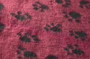Меховой коврик для собак на нескользящей основе Bronte Glen, бордовый 100x160