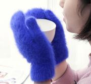 Пушистые женские варежки из ангоры, фиолетовые