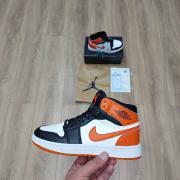 Кросы jordan оранжевые
