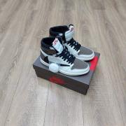 Jordan кроссовки серые