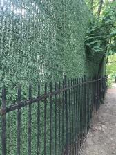 Декоративное ограждение Хвоя на проволочной основе 1,5х3 м. (светло-зеленый,темно-зеленый) – фото 1