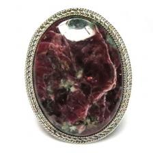 Кольцо с эвдиалитом 849-nr